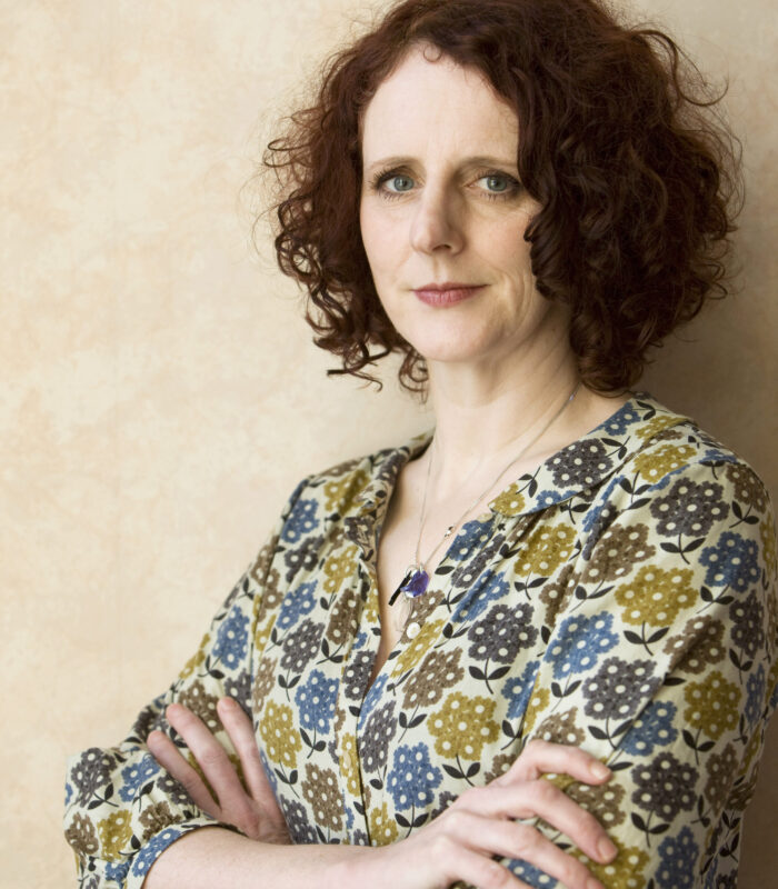 Costa-Novel-Award-winning novelist  Maggie O'Farrell at home in Edinburgh. Her latest book is a portrait of an Irish family in crisis in the legendary heatwave of 1976. Edinburgh Scotland UK 11/02/2013 © COPYRIGHT PHOTO BY MURDO MACLEOD All Rights Reserved Tel + 44 131 669 9659 Mobile +44 7831 504 531 Email:  m@murdophoto.com STANDARD TERMS AND CONDITIONS APPLY sgealbadh (press button below or see details at http://www.murdophoto.com/T%26Cs.html  No syndication, no redistribution, Murdo Macleods repro fees apply.